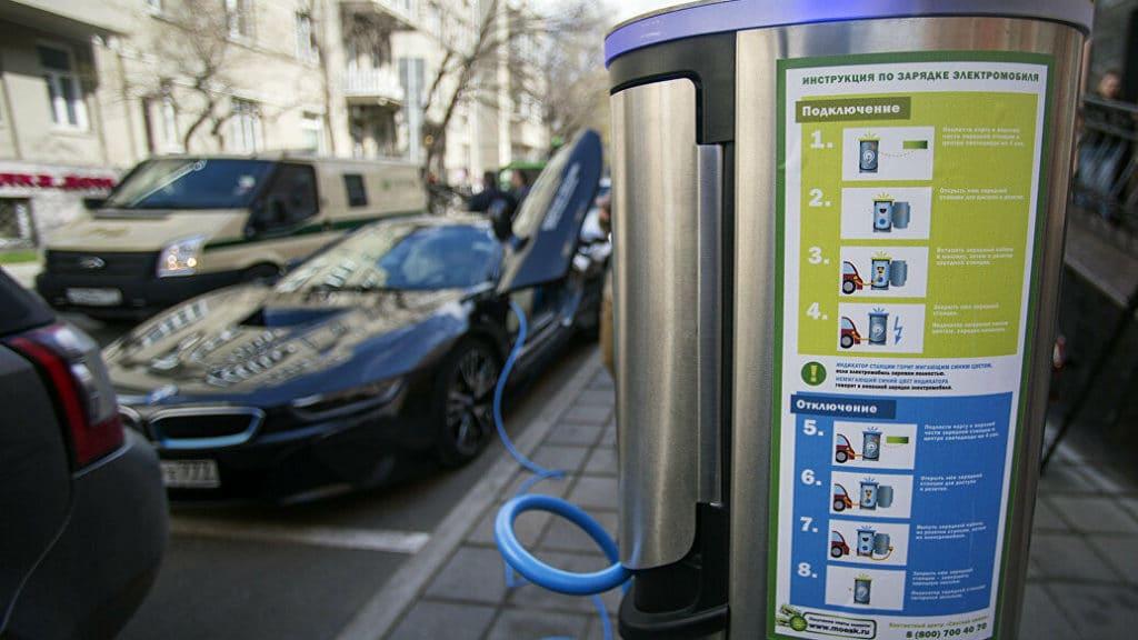 Машина в порядке — спасибо зарядке: ищем зарядные станции для электромобилей