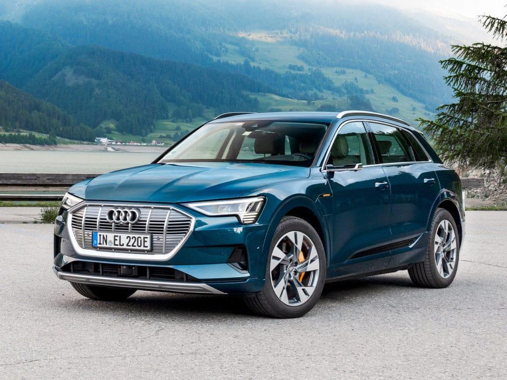 В России начали продавать Audi e-Tron