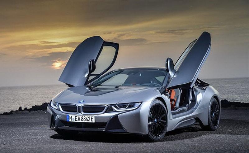 Гибрид BMW i8
