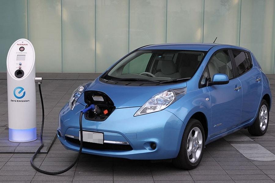 Nissan LEAF Зарядка