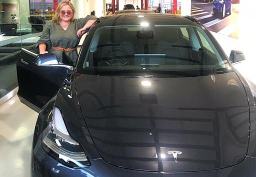 Хозяйка Tesla наказала угонщиков