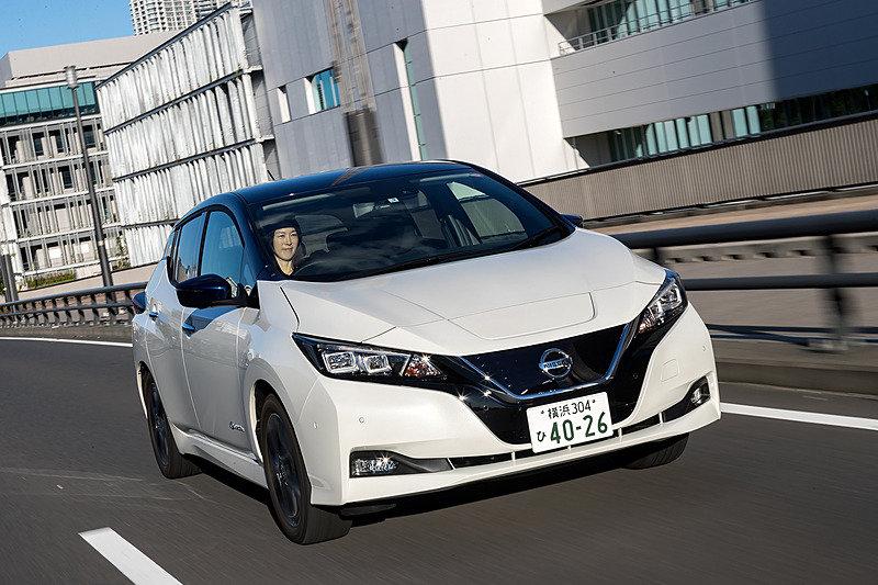 Nissan Leaf в кузове Ze1