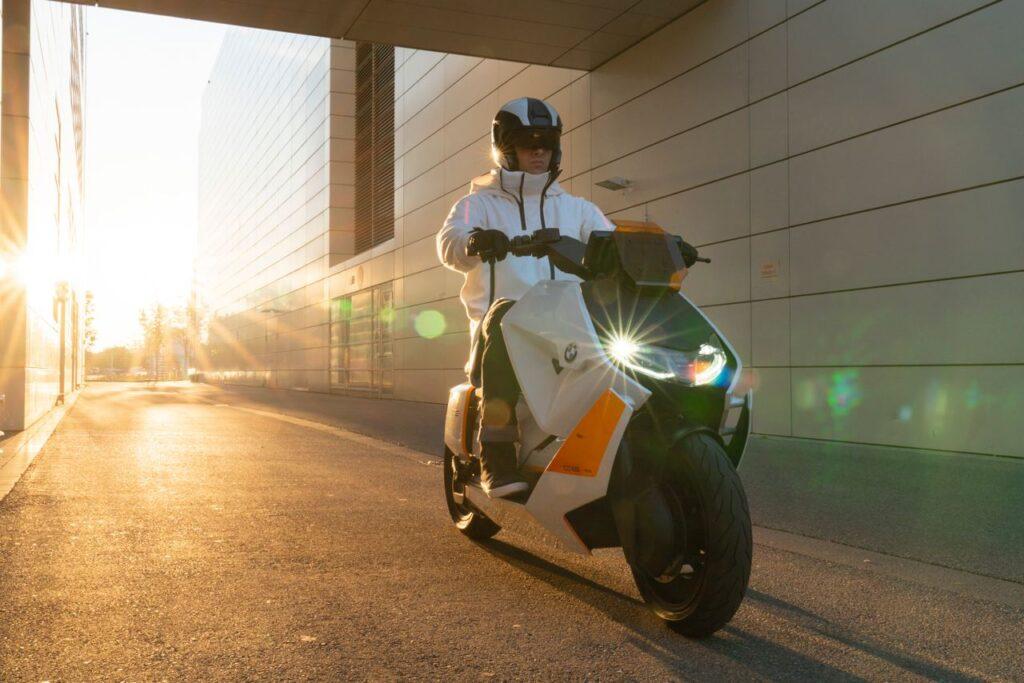 Электроскутер Motorrad Definition CE 04