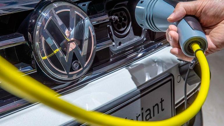 Зарядка электромобиля volkswagen