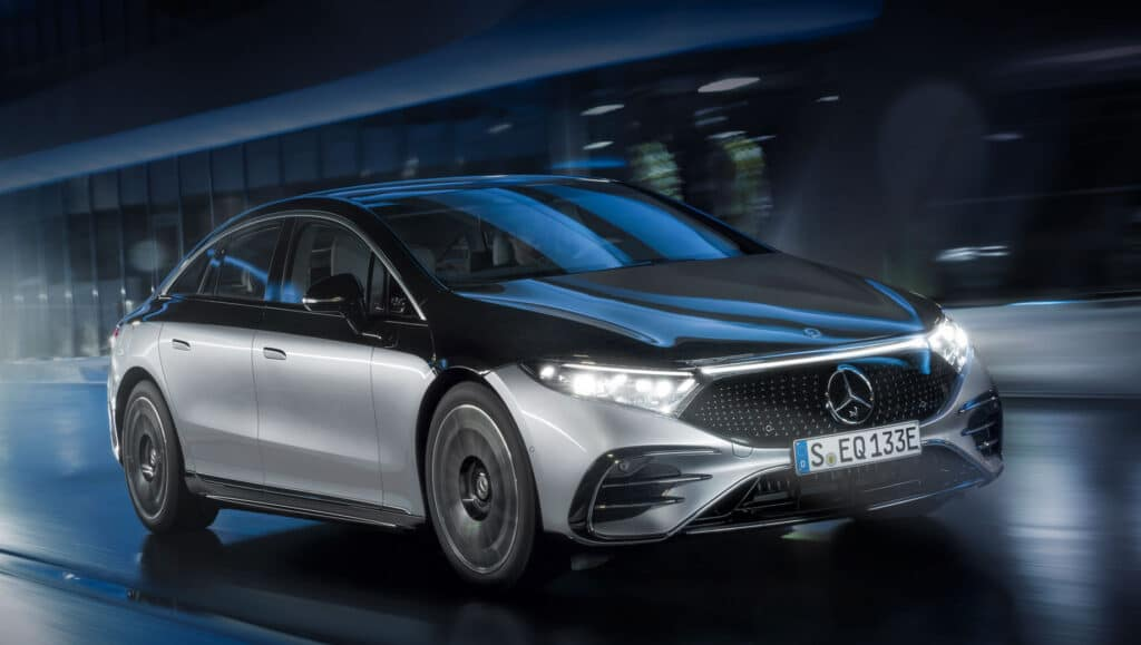 Электромобиль класса люкс Mercedes-Benz: EQS
