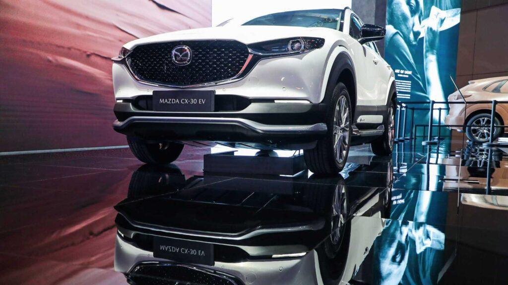Электромобиль Mazda CX-30 EV