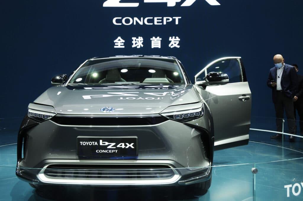 Концепт электромобиля Toyota bZ4X