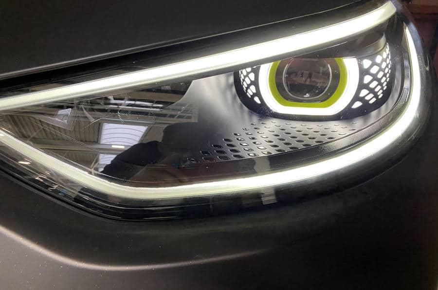Электромобиль Volkswagen ID X фары