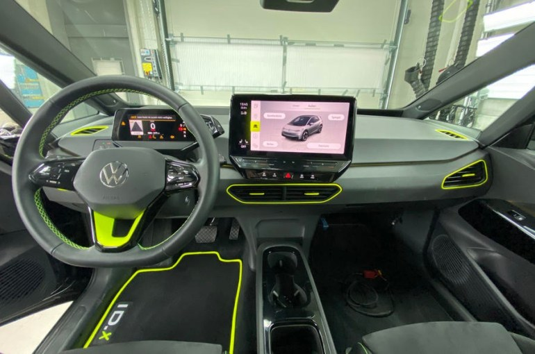 Электромобиль Volkswagen ID X салон