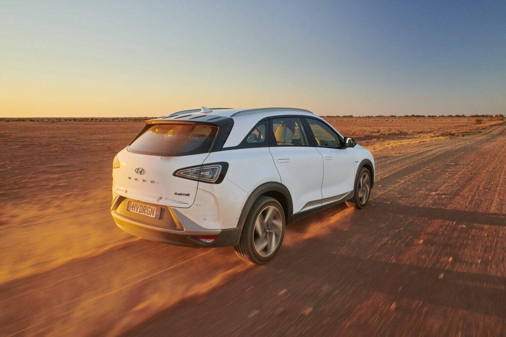 Hyundai NEXO рекорд пробега водородного автомобиля