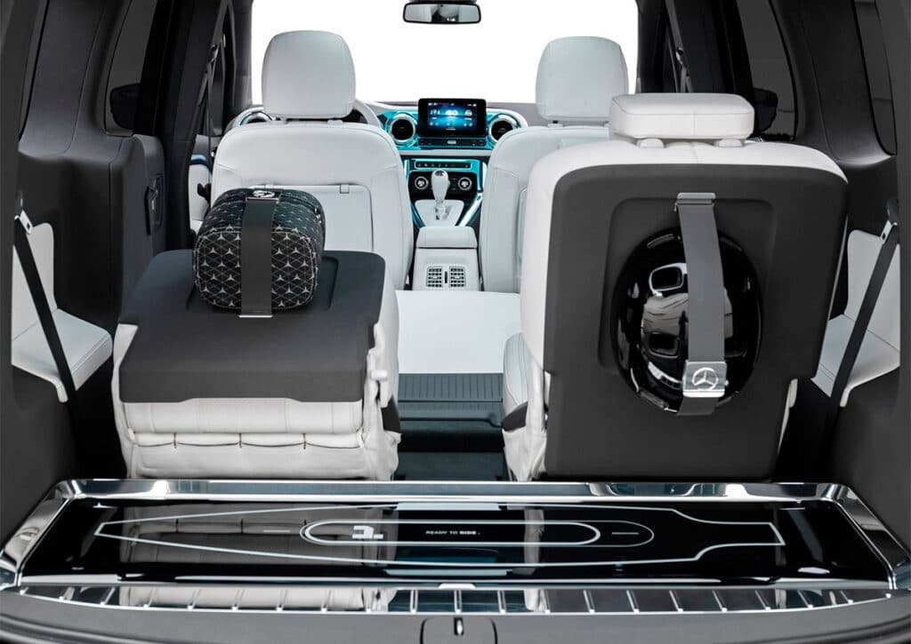Mercedes-Benz Concept EQT сиденья