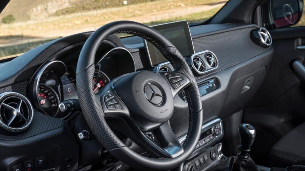 Mercedes-Benz EQA 4Matic интерьер