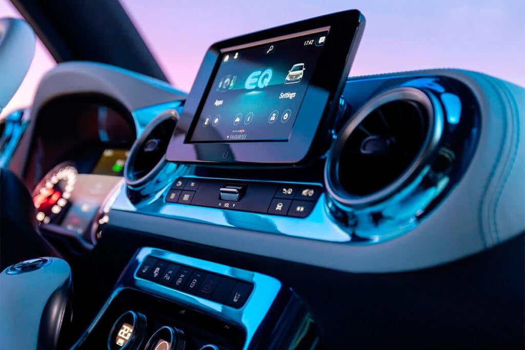 Mercedes-Benz Concept EQT дисплей