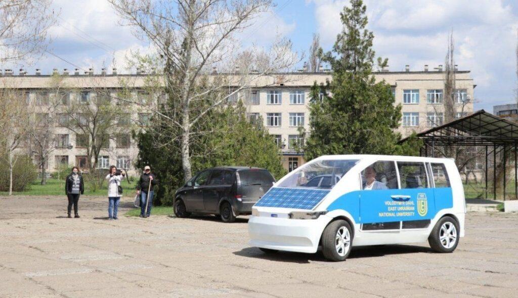 """Электромобиль """"Ева"""" из Украины"""