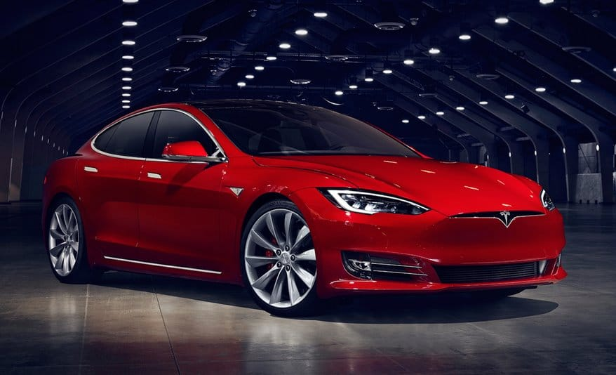 Электромобили Tesla Model S Plaid и Plaid+