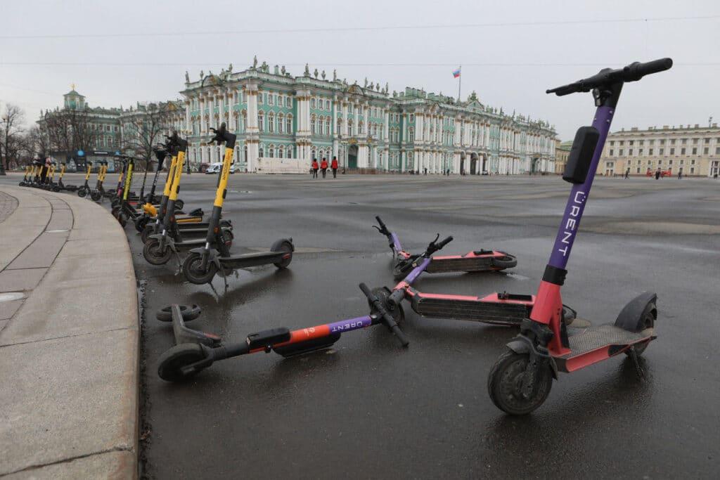 Обыски в кикшерингах Петербурга