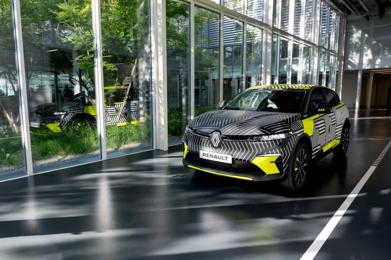 Предсерийный Renault Megane E-Tech Electric