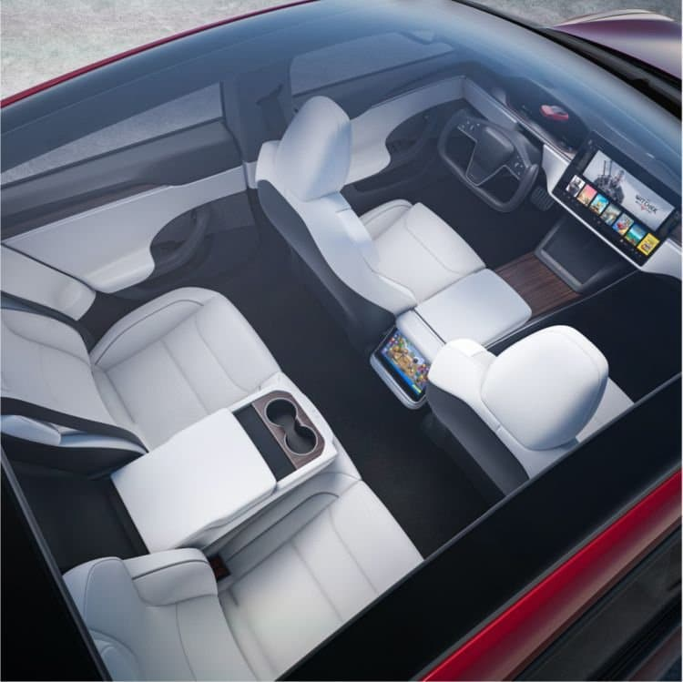 Model S Plaid интерьер