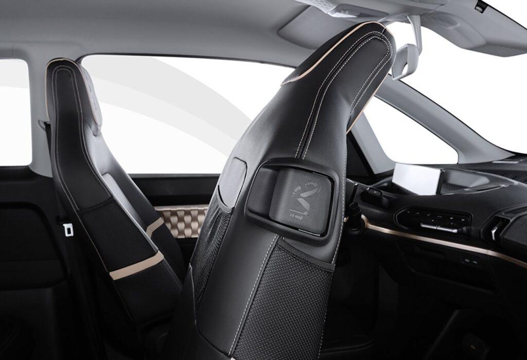 Электромобиль Baojun KiWi EV интерьер