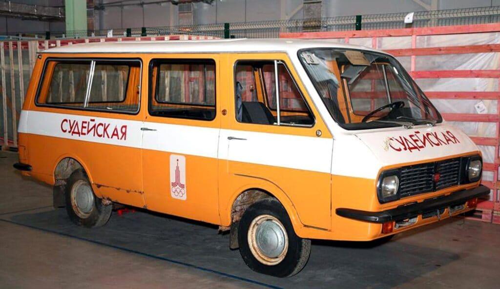 Электрический микроавтобус из СССР РАФ‑2910