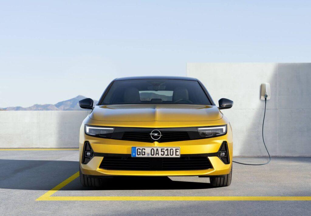 Гибрид Opel Astra PHEV