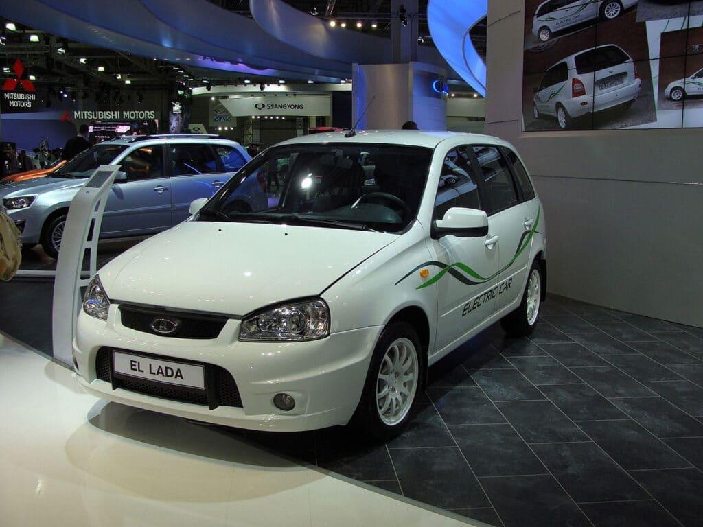 Первый серийный электромобиль из России Lada Ellada