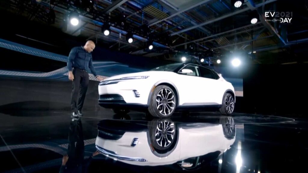 Серийный электромобиль Chrysler
