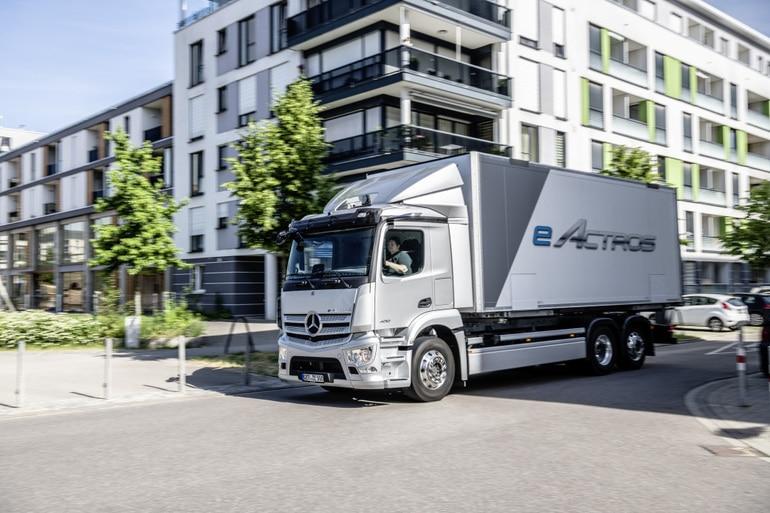 Электрогрузовик Mercedes eActros