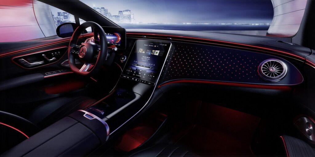 Электромобиль Mercedes-Benz EQS интерьер дисплей2