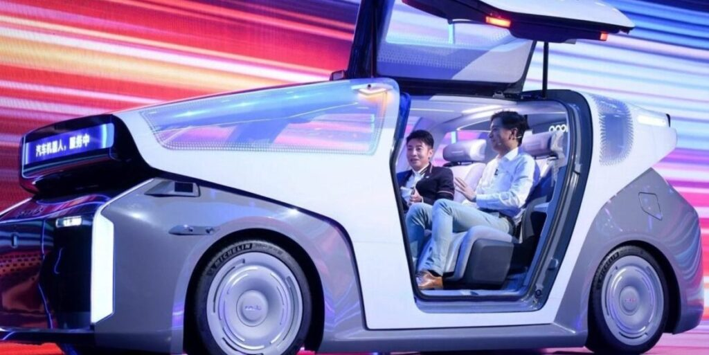 Первый беспилотный электромобиль от Baidu