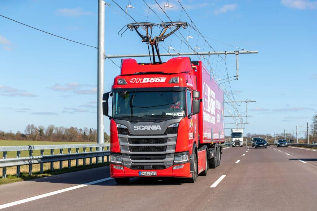 электромагистраль для грузовиков в Британии