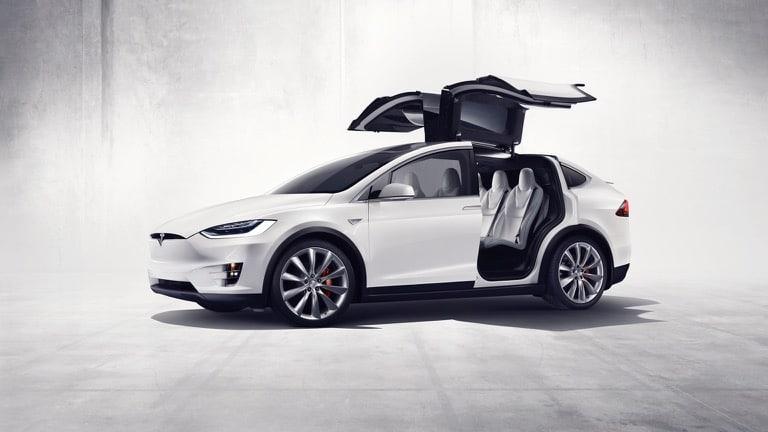 Электромобиль Tesla Model X Long Range