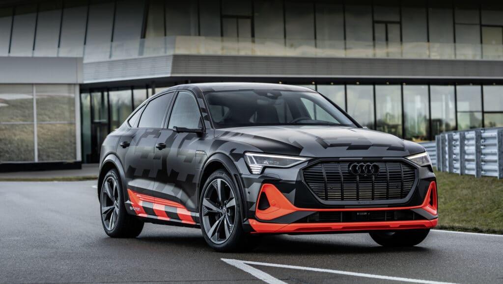 Электромобили Audi e-Tron S начали продавать в России