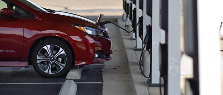 электромобили в России новые модели приходят на рынок
