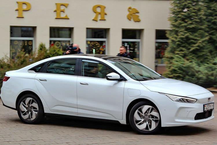 Тестовый электромобиль Geely Geometry A в Республике Беларусь