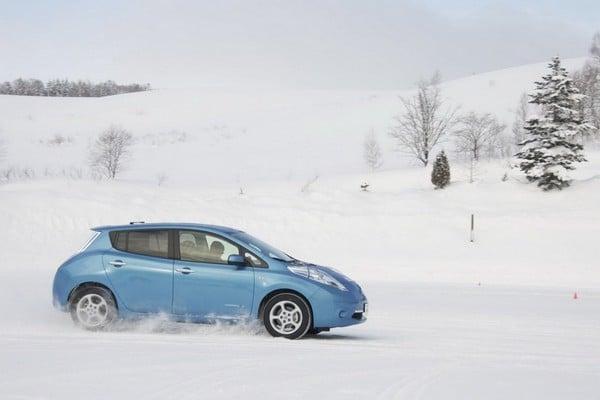 Как работает электромобиль зимой