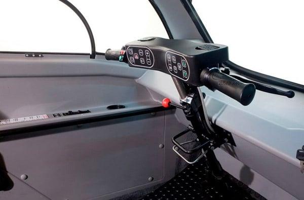 Kenguru устройство управдления электромобилем для инвалидов