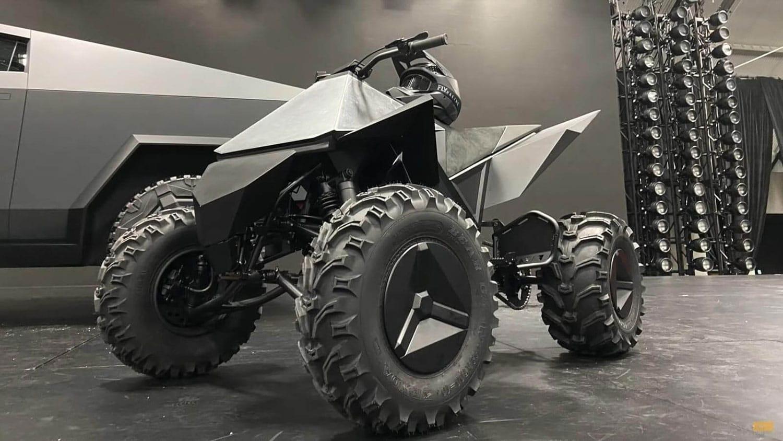 элекроквадроцикл Tesla-Cyberquad