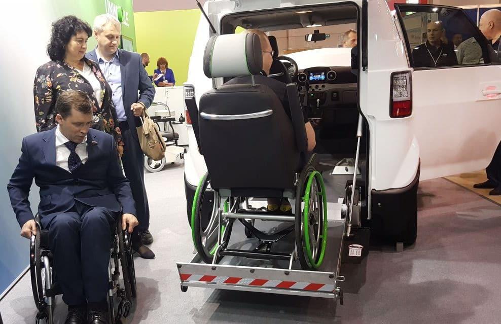 UNIMO 1.0 прототип электромобиля для людей с ограниченными возможностями